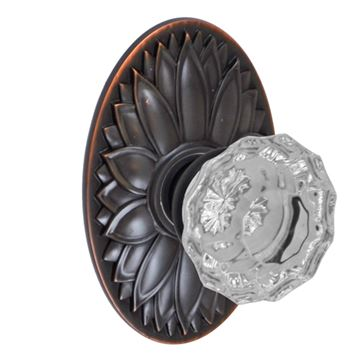 OVAL FLORAL 2 3/8 PASSAGE SET WITH SCALLOP KNOB