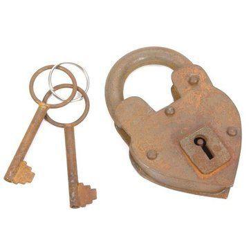 Restorers 4 3/8 Inch Iron Rusty Heart Padlock