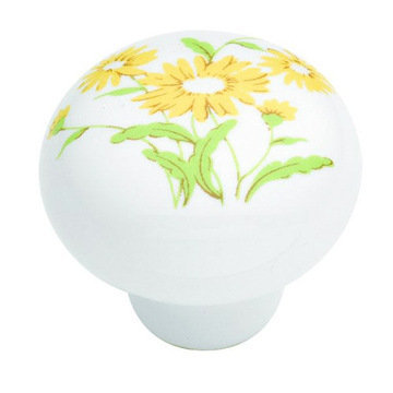 Belwith Keeler English Cozy Yellow Flower Knob