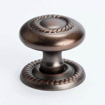 Berenson Advantage 1 Round Cabinet Knob With Escutcheon