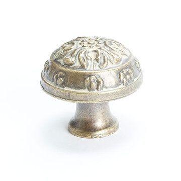 Berenson Baroque Oak Leaf Round Cabinet Knob