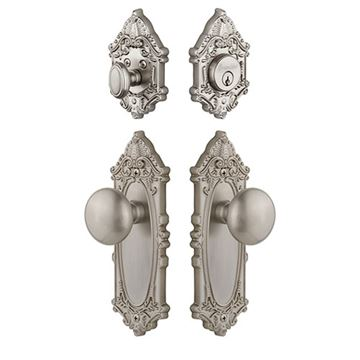 Grandeur Grande Victorian Entry Set With Fifth Avenue Knob - Keyed Differently