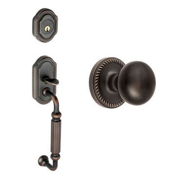 Grandeur Newport Fluted Grip Thumblatch to Fifth Avenue Knob Entry Set