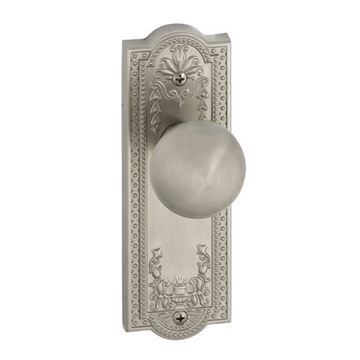 Grandeur Parthenon Passage Interior Door Set With Fifth Avenue Knob
