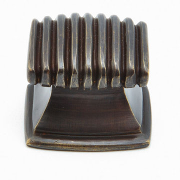 Schaub Symphony Fluted Rectangle Cabinet Knob