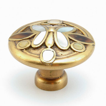 Schaub Symphony Round Cabinet Knob With Butterfly Inlay