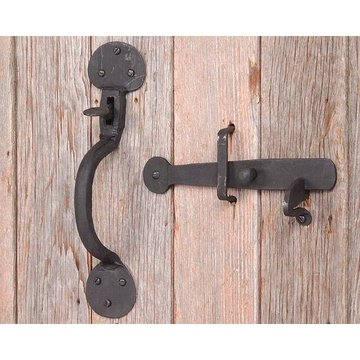 BLK IRON THUMBLATCH SET WITH ROUNDED BASE